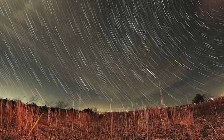 Who else has their cameras pointed at the stars tonight? Be sure to tag us in yo